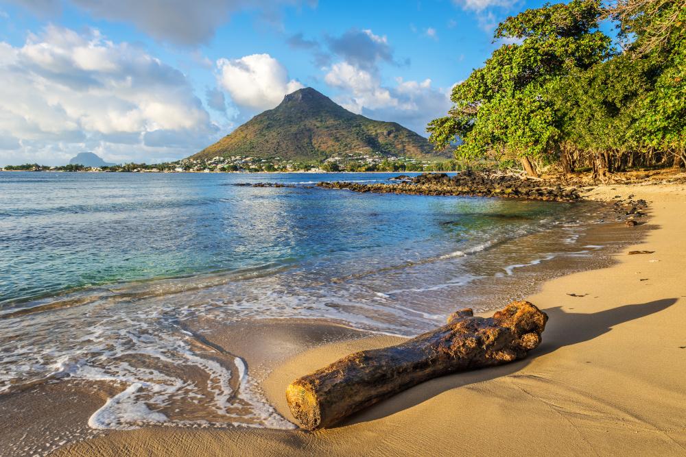 widok morza i plazy